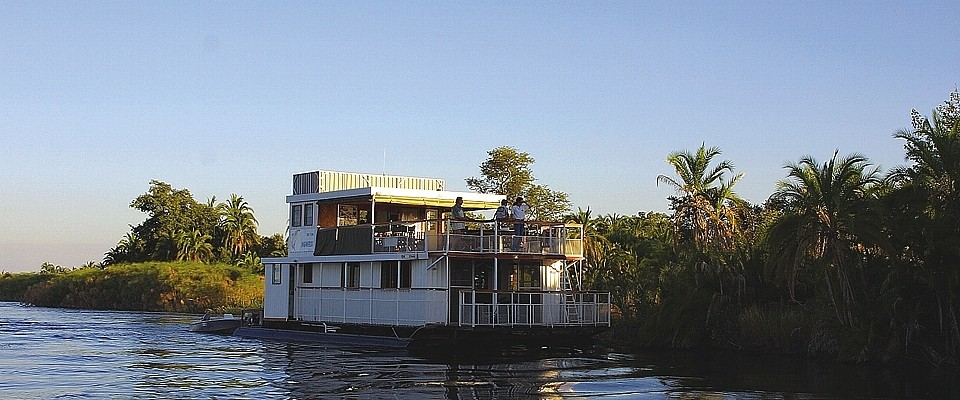 botswana-haina-lodge-cruise.jpg