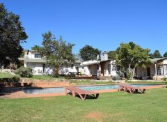 Swimmingpool der Brackenhill Lodge in Mbabane, eSwatini