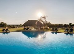 Swimming Pool bei Midgard Country Estate in Okahandja