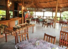 Restaurant in der The Vijiji Center Lodge