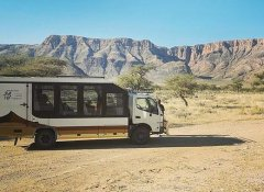 Wild Dog Safaris Bus in Namibia mit Basis in Windhoek